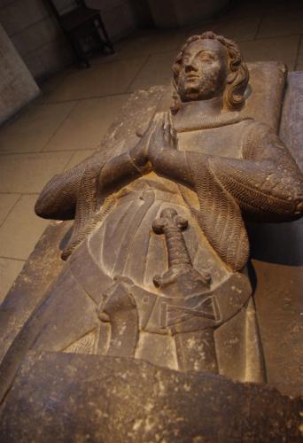 Gisant de Jehan dAlluye seigneur de Saint-Christophe
